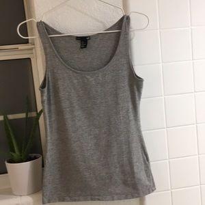 H&M Tops - 🍀💚BOGO $9 H & M stretch tank NWOT